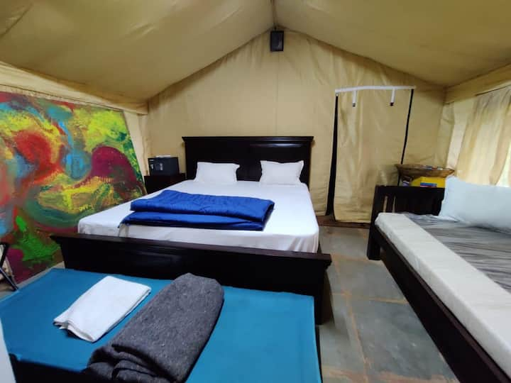 Luxury tent with all meals near Igatpuri.