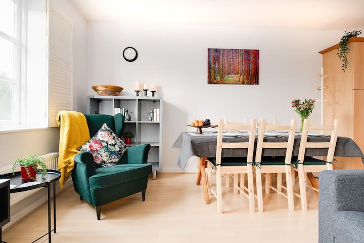 Stylish, clean and modern 2 bedroom flat