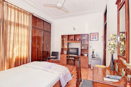 Cozy Family run Bed and Breakfast - Nova Délhi - Pousada