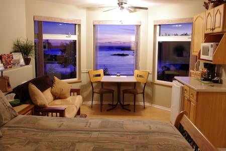 Ocean Dreams... Ocean Breeze Suite - Wohnung