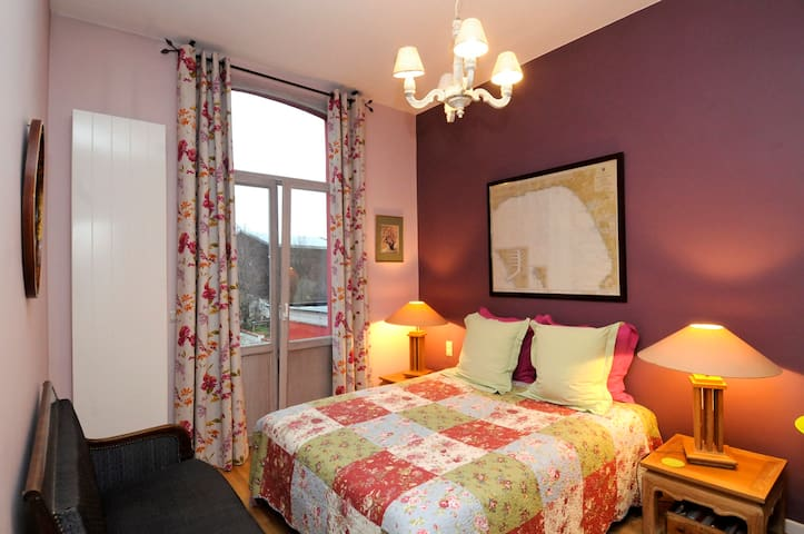 Charming & cosy B&B in Uccle. - Uccle - Huis