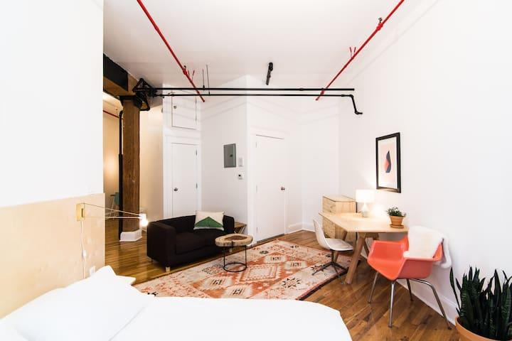 Factory Converted Studio Loft in GP