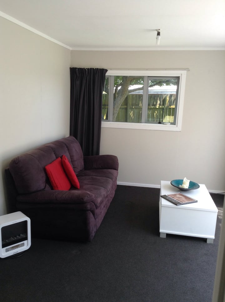 More than just a room! Lounge & Bathroom incl...