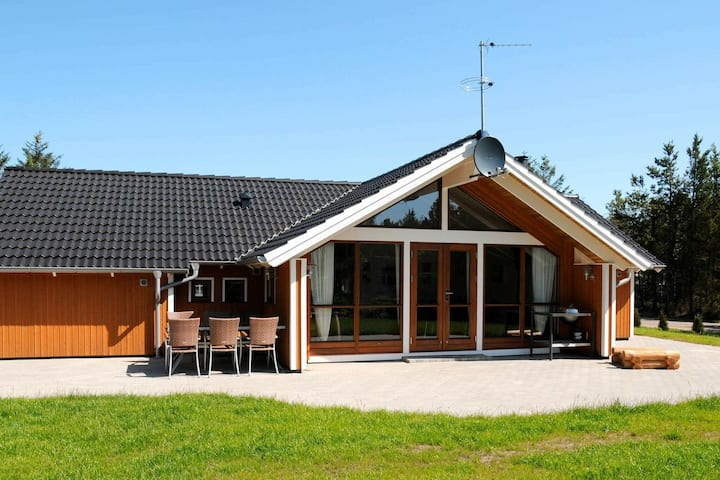 Luxurious Holiday Home with Indoor Whirlpool in Ulfborg