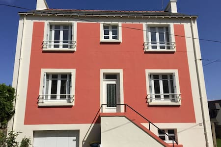 Village house close to seaside - Port-Louis