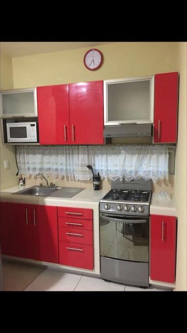 Cocina Integral con Regrigerador y microondas