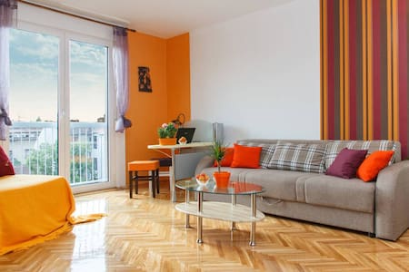 Orangine Downtown Superstar - Belgrad