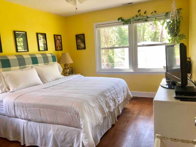 #3 of 4 rooms spacious ranch home