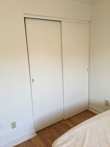 A clean quiet 1 bedroom apt for rent....Come see !