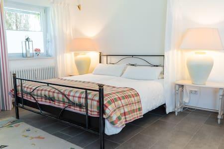 Komfortable 50 qm große 1-Zimmer  Ferienwohnung