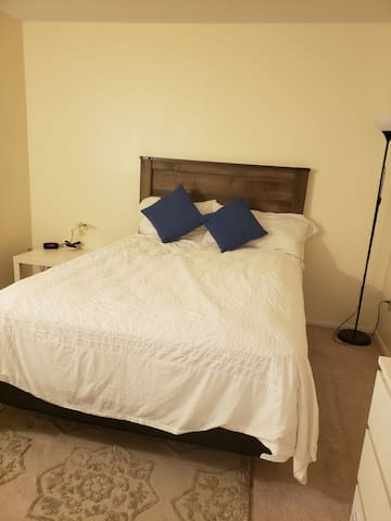 rent a room in my house for couple or single