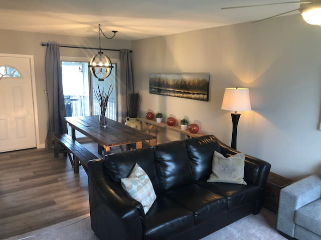 Indulge WEM from Nearby Renovated 4Bdrm Bungalow