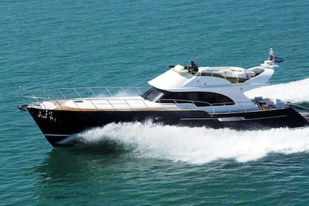Venezia Giant 62' Flybridge - Tourlos