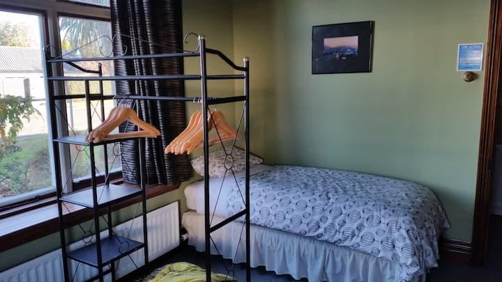 Alpenhorn - BED 4 in 6 bed dorm (Mt Egmont)