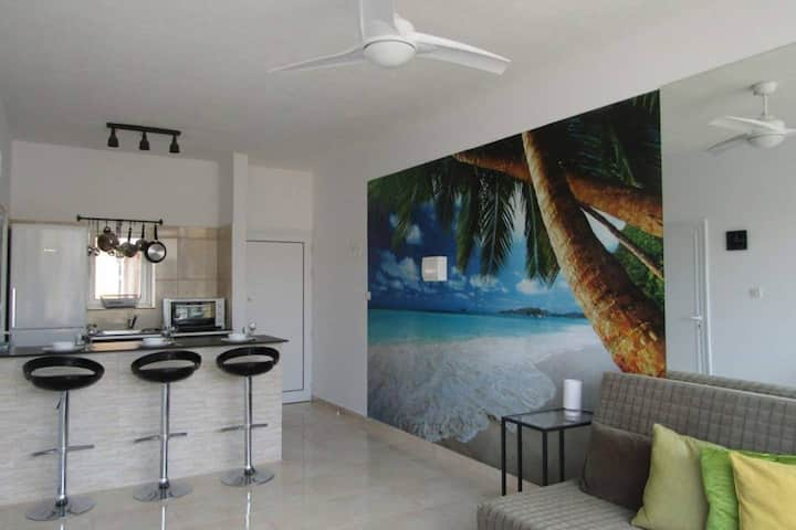 Pool View Apartment - Ayia Napa Centre
