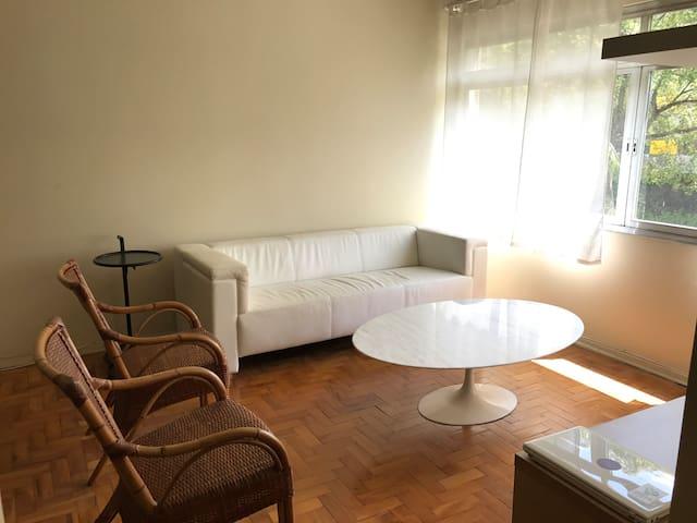 QUARTO GRANDE PARA JÚLIO - JARDIM AMÉRICA - São Paulo - Apartamento