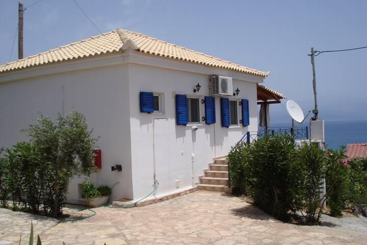 VIlla Dionysia 150m beach Peroulia - Peroulia - Villa