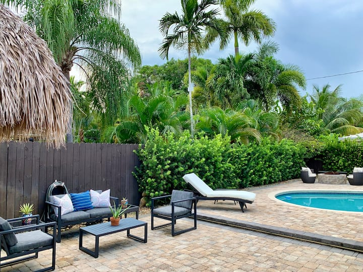 Guest-suite w pool,close to beach-shops-nightlife