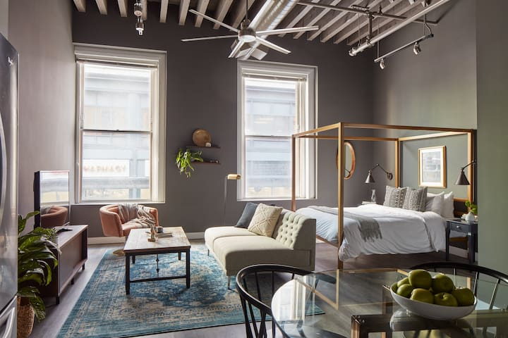 Sonder | Boston Common | Stylish Studio + Laundry