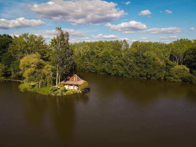 Maison du Pont de l'Etang