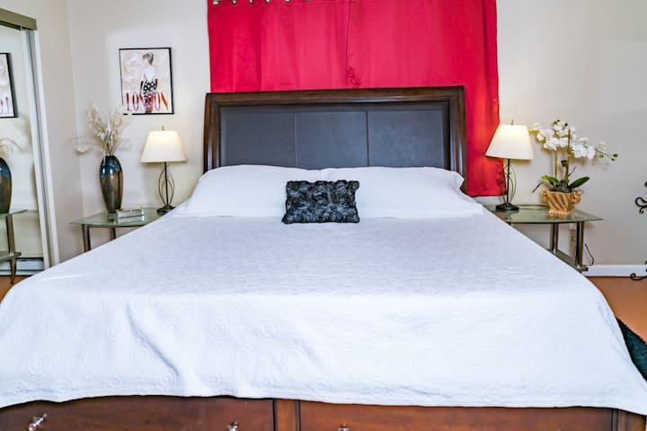 King bed at The Roost
