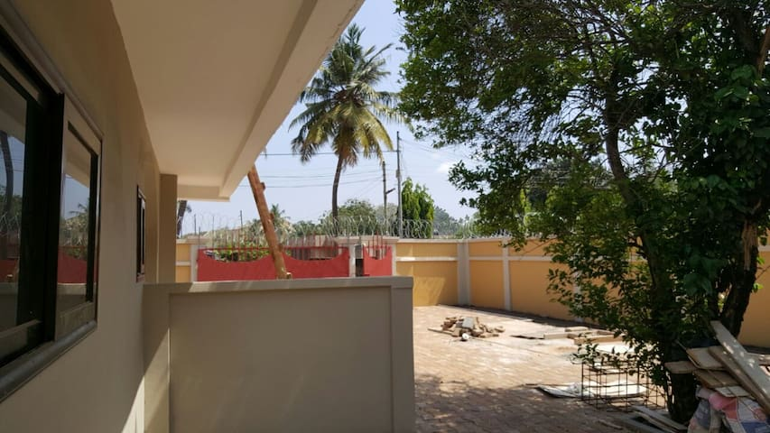 Newly Built 3 BR House  for long & short term stay - Accra