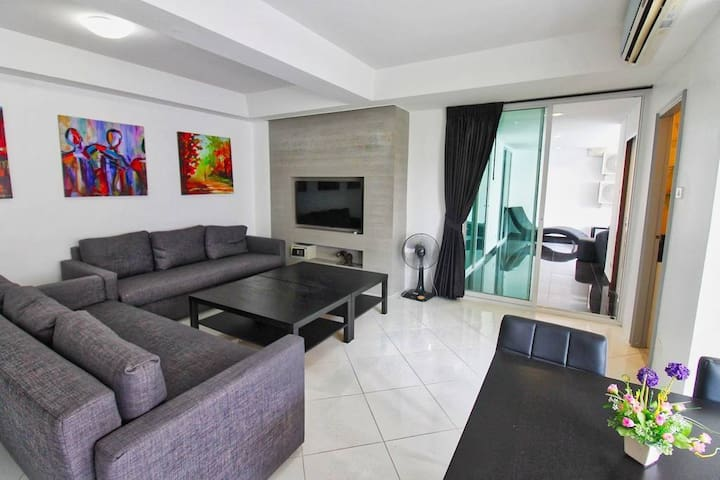 Modern 2BR Condo near best Beach & Walking Street