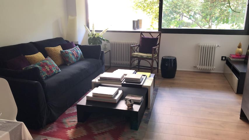 Apartamento de una habitación nuevo y acogedor