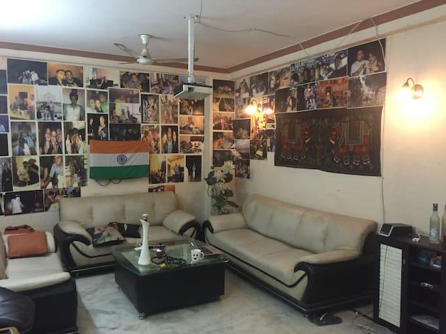 bedroom in Flat for short term - Neu-Delhi - Wohnung