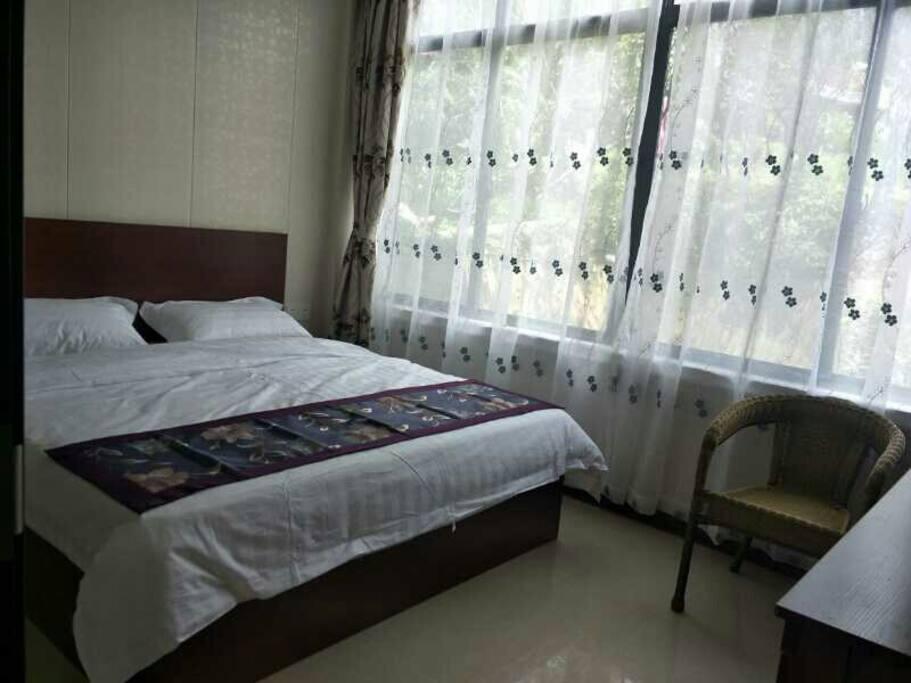 客房180cm×200cm大床房