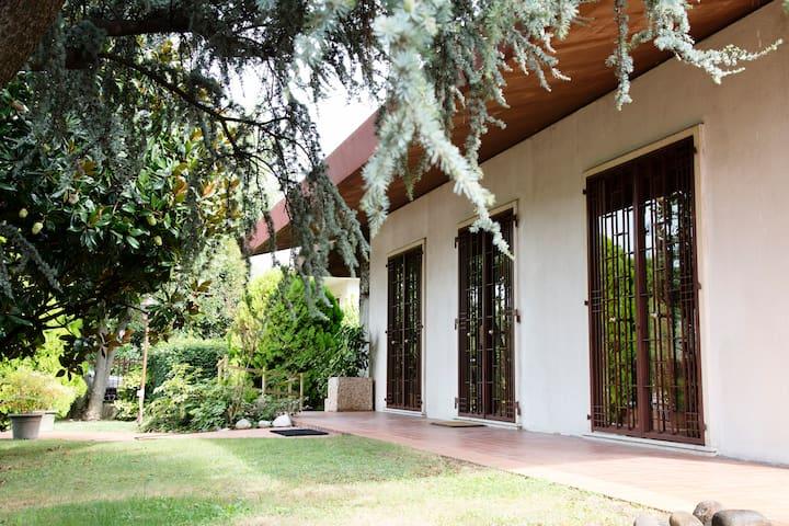Villa EliBea elegante casa a 7Km da Verona centro - San Giovanni Lupatoto - Villa