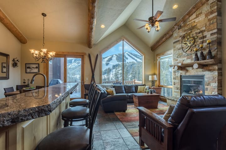 Ski Area Views From Hot Tub | Luxury | Awesome Decor!