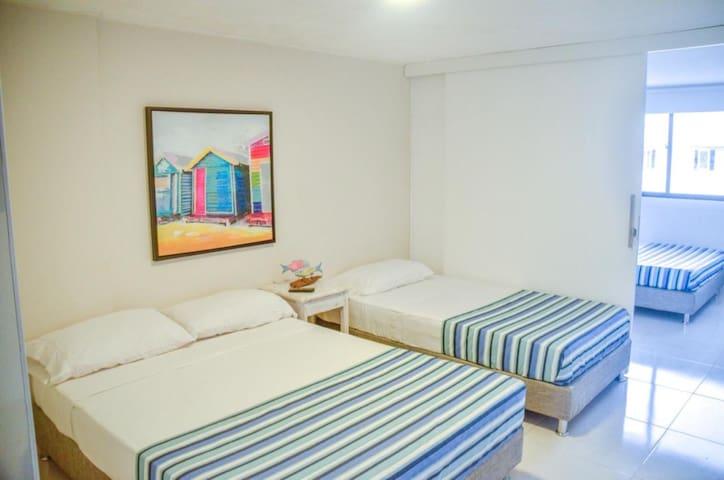 Habitación Ppal (2do piso) / Master room (2nd floor)