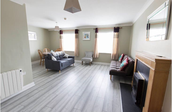 Waterfront two bedroom stylish apartment Dungarvan