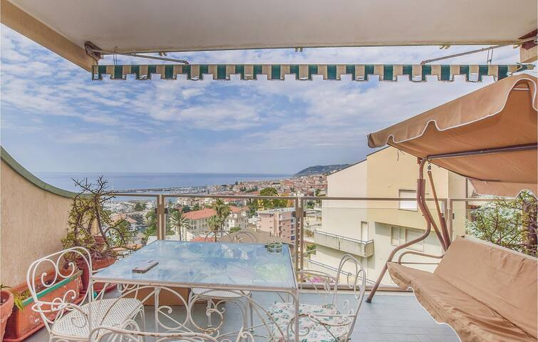 Holiday apartment with 1 bedroom on 60m² in Sanremo (IM)