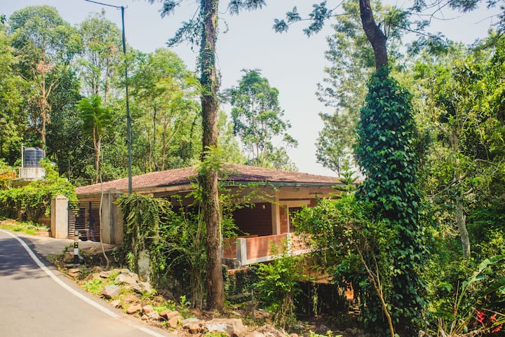 Vel's Villa Yercaud Home Stay