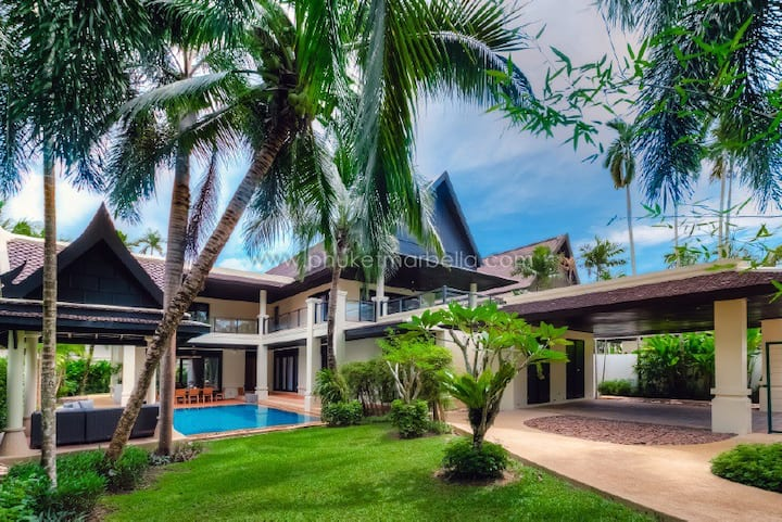 Beach front 5 bed pool villa at Maan Tawan Villa