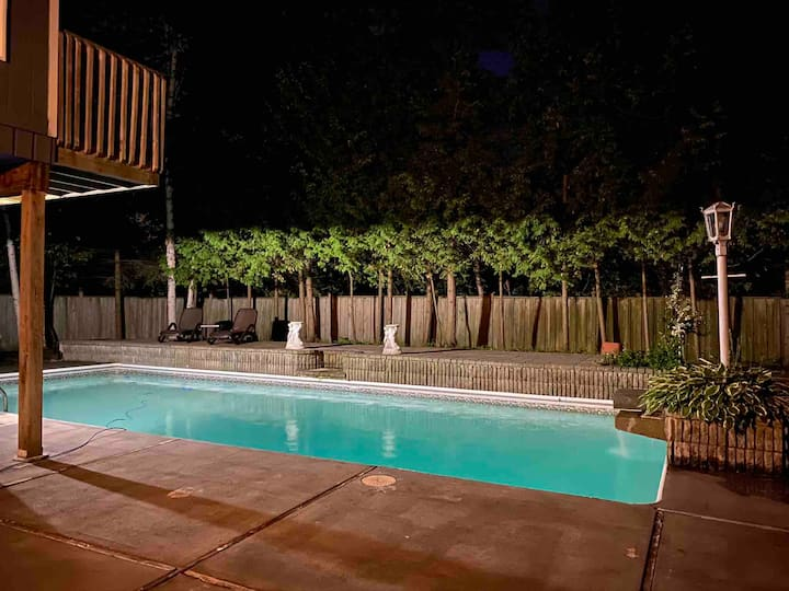 Blue Haven Chalet-Private Heated pool,10 max,Sauna