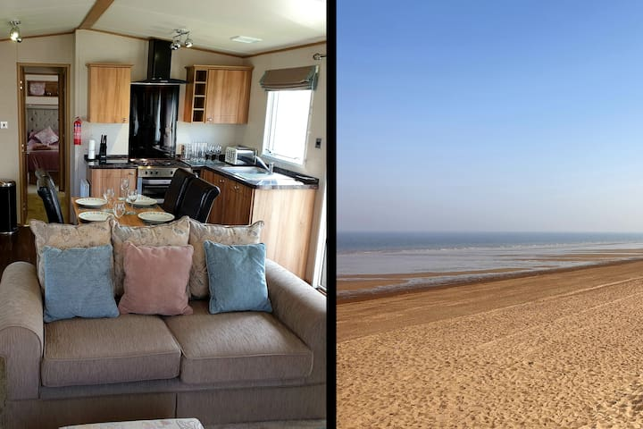 Luxury Caravan 2 Minutes from Sandy Beach