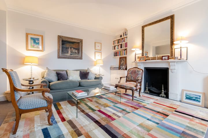 Elegant, Spacious 2BD Flat in Chelsea