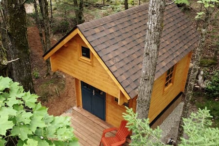 Elm 8 Cabin - Haliburton, Tiny Home Glamping