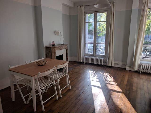 Flat on Canal St Martin -  10th arrondissement - Paryż - Apartament
