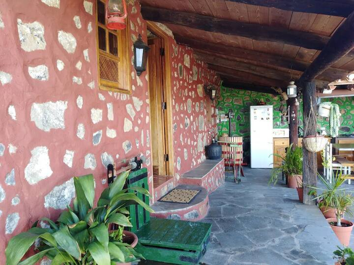 Rural Holiday Home 'Finca Mar y Teide' with Sea View, Mountain View, Wi-Fi & Terrace
