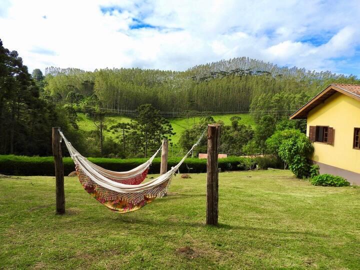 Casa em Gonçalves, no colo da serra da Mantiqueira