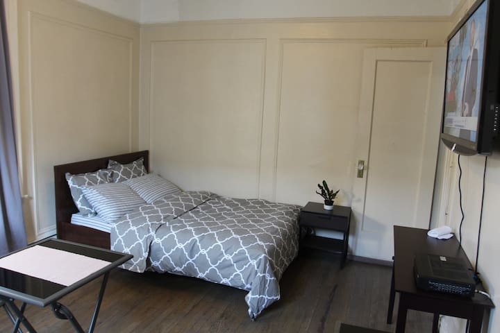 Clean Cozy Bedroom with Cable and Internet included.