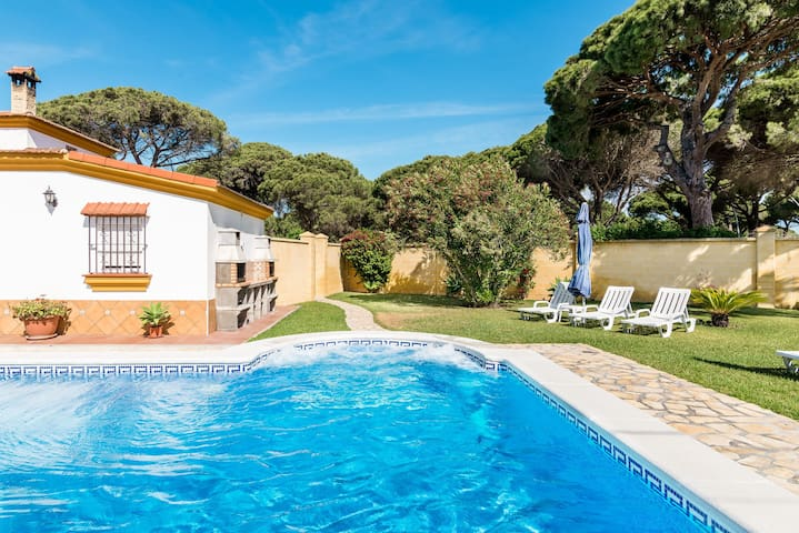 Air-Conditioned Apartment with Pool, Terrace, Garden & Wi-Fi; Parking Available