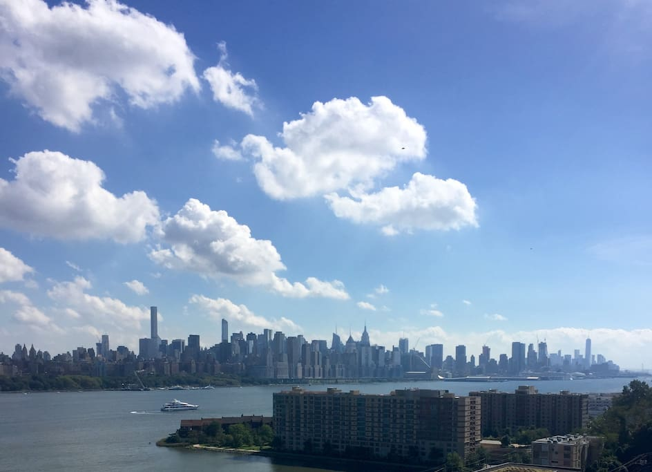Beautiful NYC views outside your window!