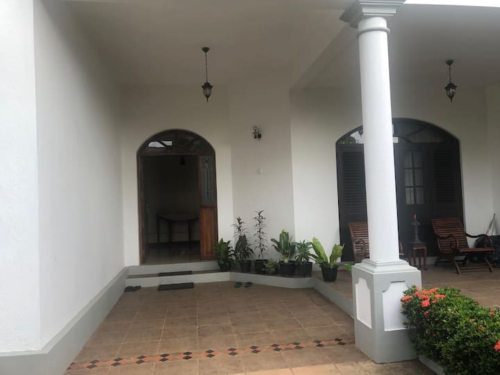 Luxury spacious home with garden in Ragama