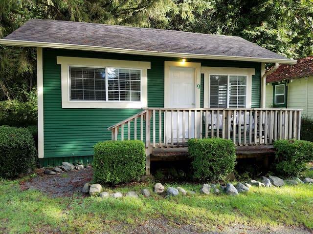 Woodland Villa Cabin 9
