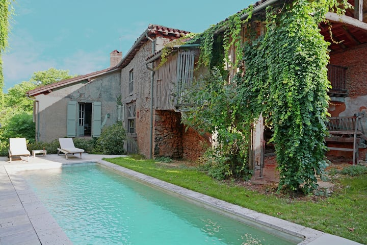 Lovely Holiday Home with Private Pool in Campagne-d'Armagnac